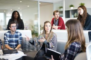 """""""Teach back"""": Den Kollegen erklären, wie es funktioniert, ist die beste Trainingsmethode."""